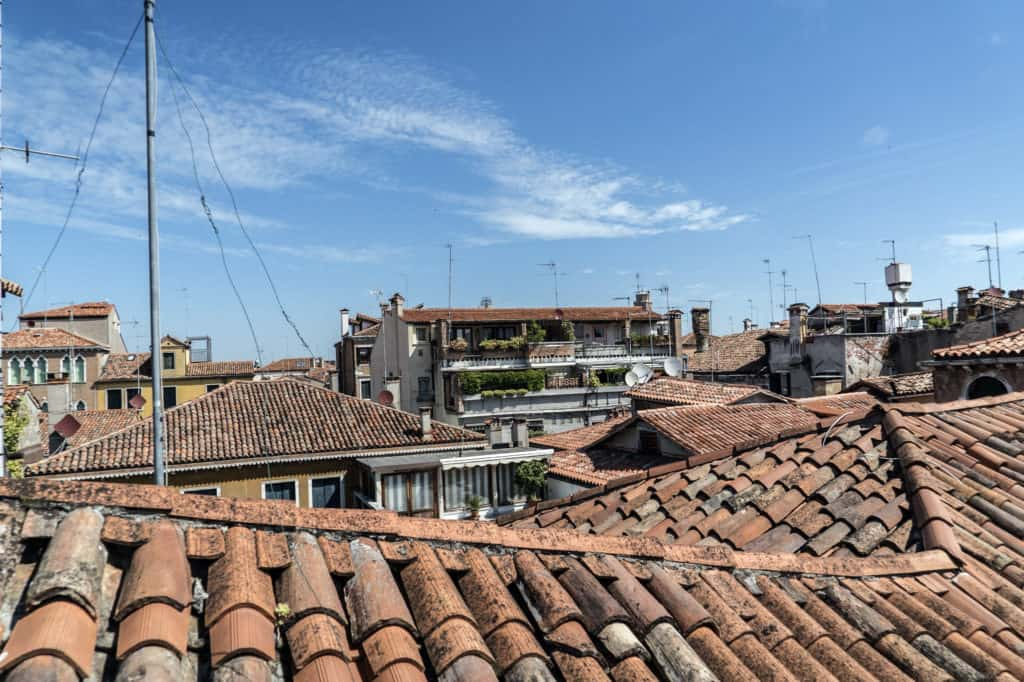 Panoramic view of the Venetian roofs - Altana Studio Apartment