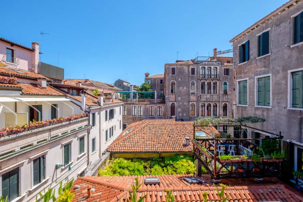 Large terrace with view on the Venetian buildings - Ca' del Capitano Apartment