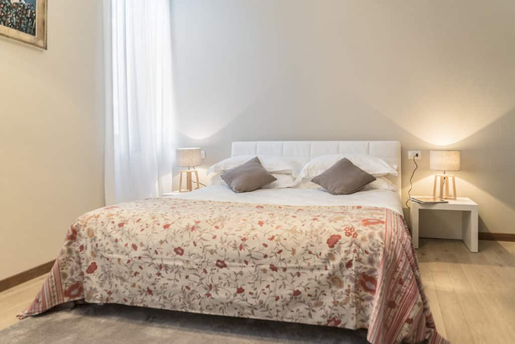 Luminous master bedroom - Ca' dell'Architetto Apartment