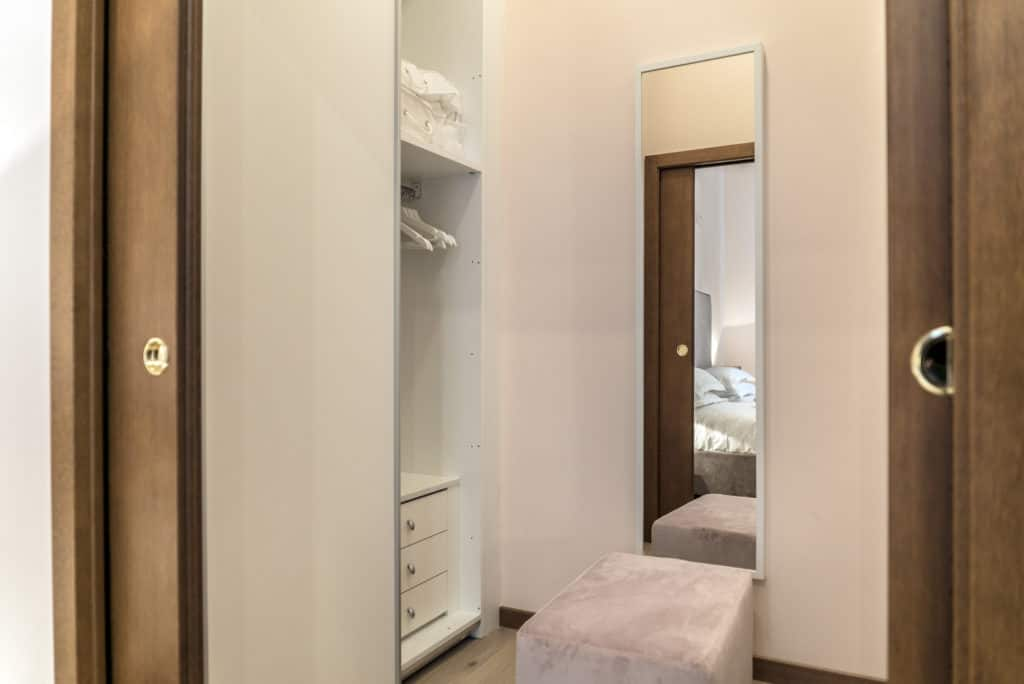 Large walk in wardrobe - Ca' Desdemona Apartment