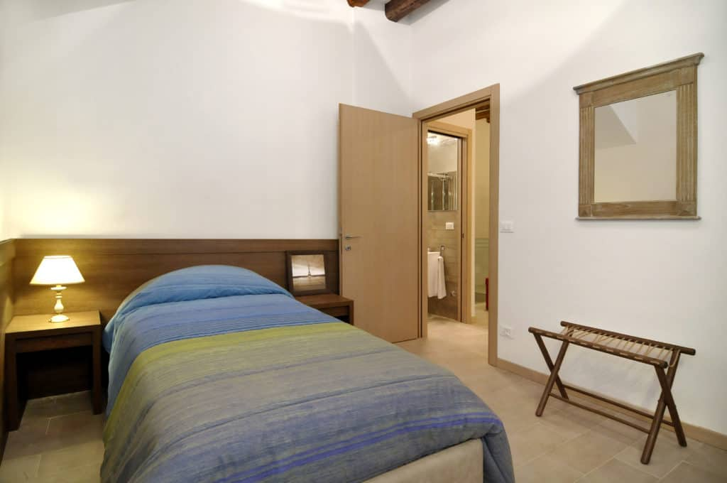 RIght view of the small single bedroom - Ca' Dorina Apartment