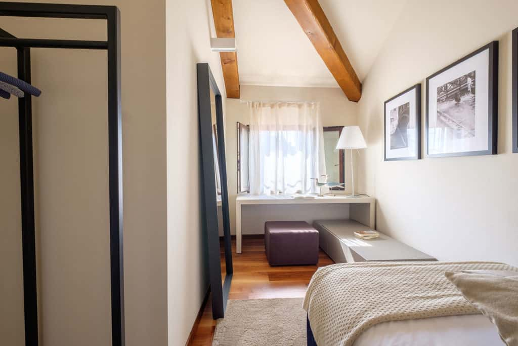 Luminous single bedroom with exposed beams - Ca' Garzoni Moro - Clemente Apartment