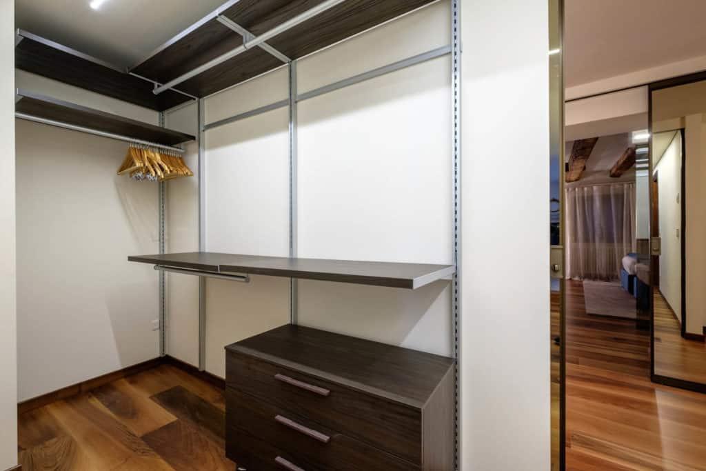 Large white wardrobe - Ca' Garzoni Moro - Lido Apartment