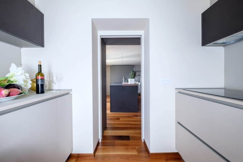 Exit door of the modern kitchen - Ca' Garzoni Moro - Lido Apartment