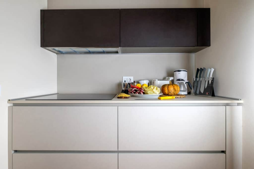 Cooking area of the modern kitchen - Ca' Garzoni Moro - Lido Apartment