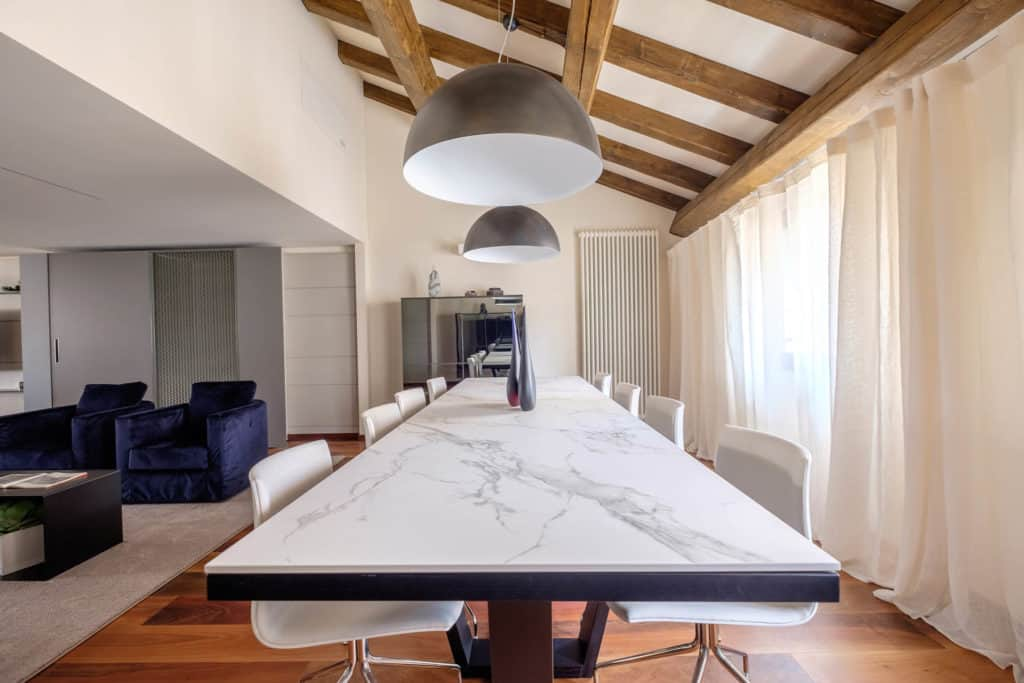 Large marbled dining table - Ca' Garzoni Moro - Lido Apartment