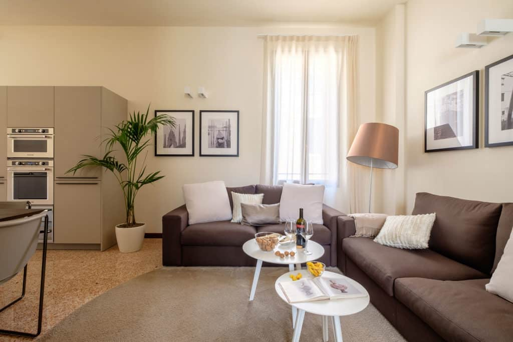 Right side of the living room with two sofas - Ca' Garzoni Moro - Salina Apartment