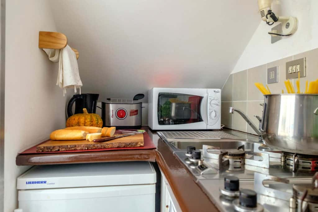 Small kitchen with decorations - Ca' Mocenigo Apartment