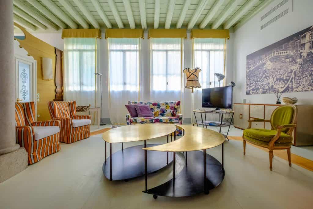 Designer coffee table - Ca' del Ramo d'Oro Apartment