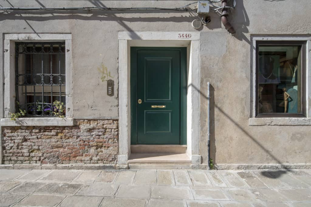 Main entrance door - Casa Graziosa Apartment