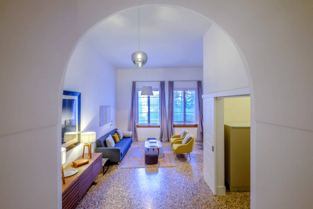View on the large living area - Palazzo Molin Guaranà Apartment