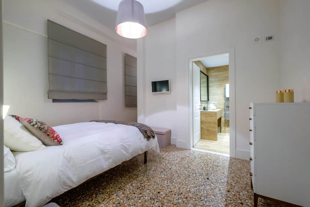 Entrance of the small double bedroom - Palazzo Molin Guaranà Apartment