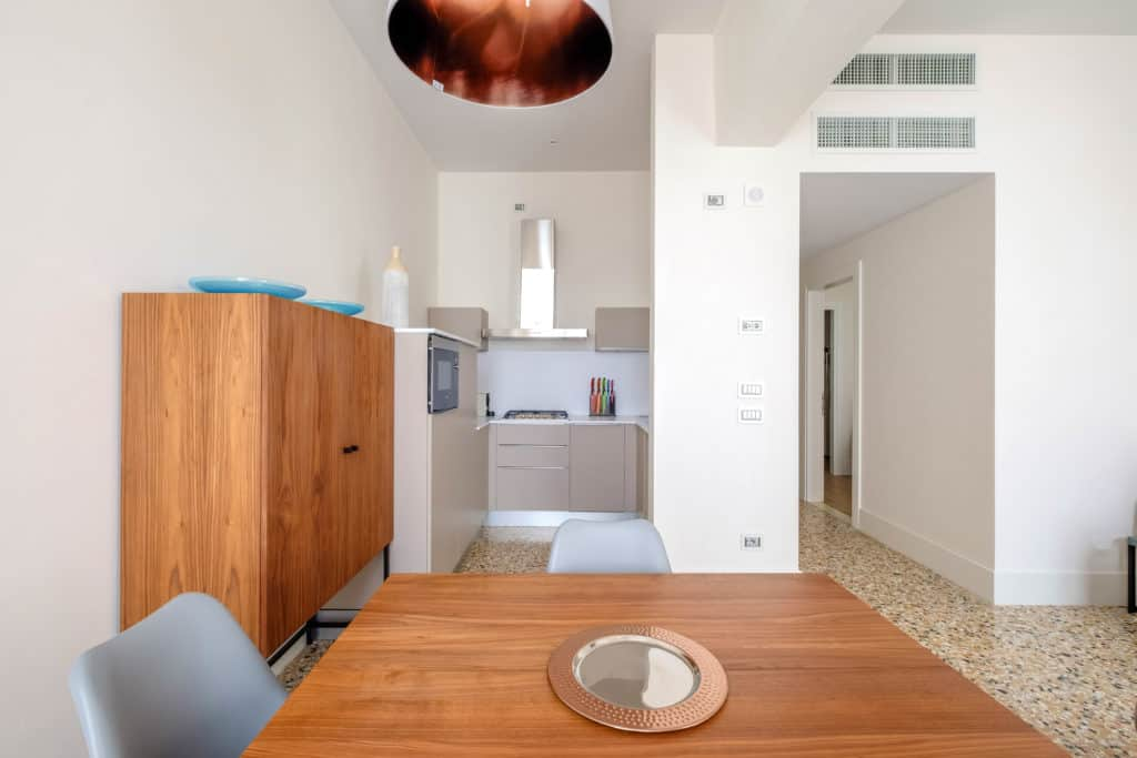 Small kitchen and modern furnishing - Palazzo Molin Tiziano Apartment