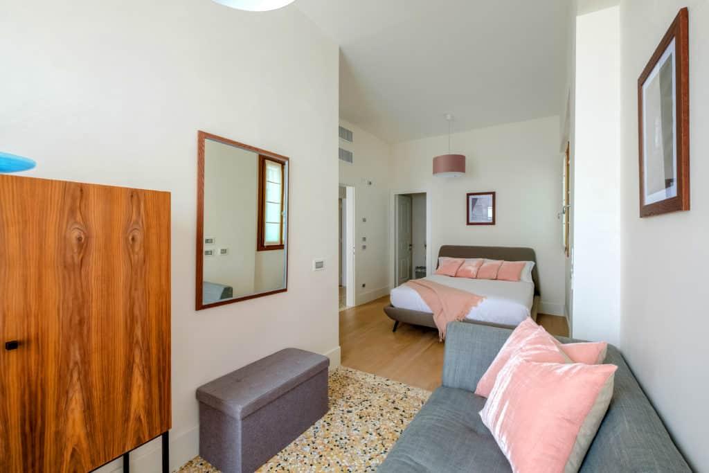 Entrance of the large master bedroom - Palazzo Molin Tiziano Apartment