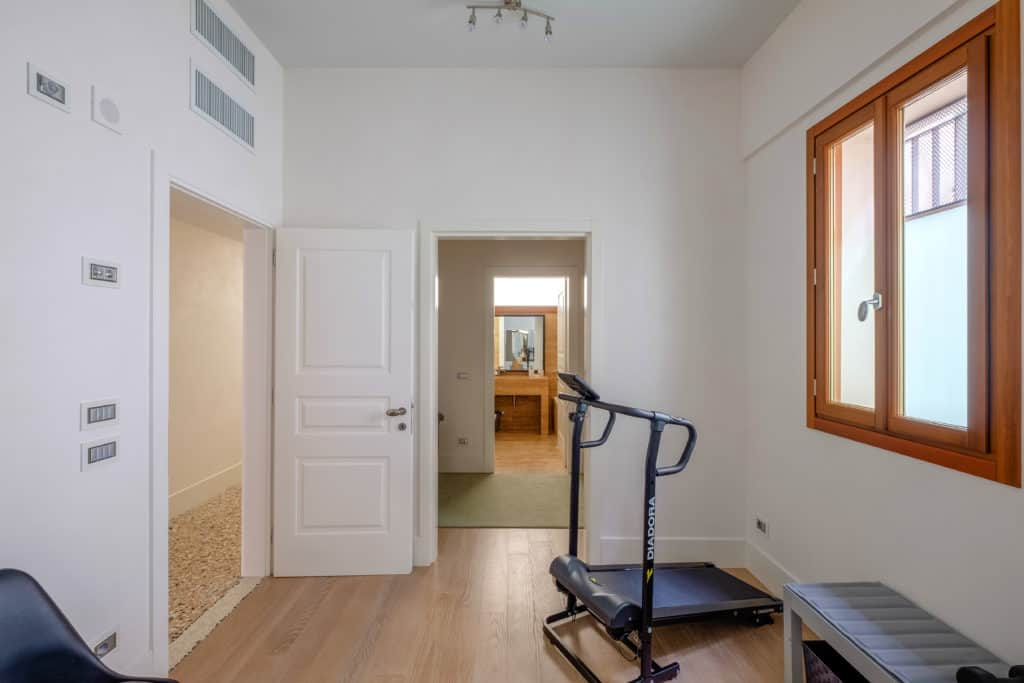 Entrance of the small gym room - Palazzo Molin Tiziano Apartment