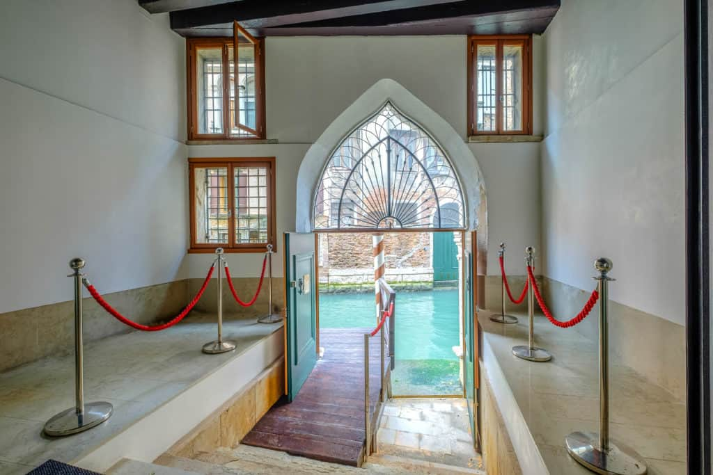 Water entrance - Palazzo Molin Massari Apartment