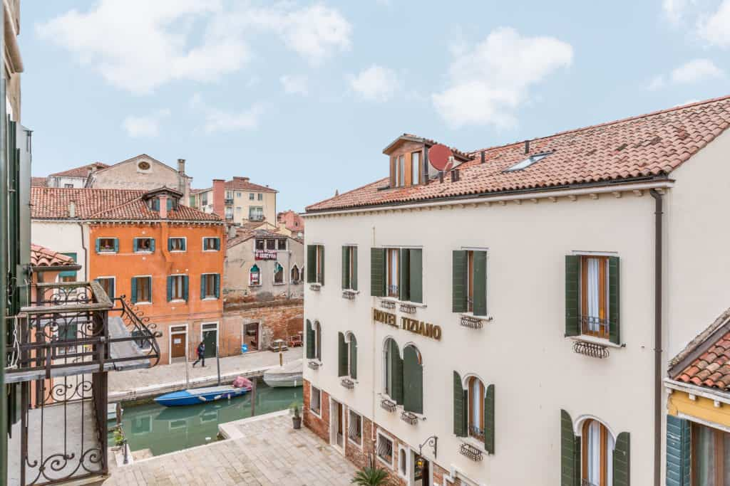 Panoramic view of the Venetian buildings from the window - Santa Marta Apartment