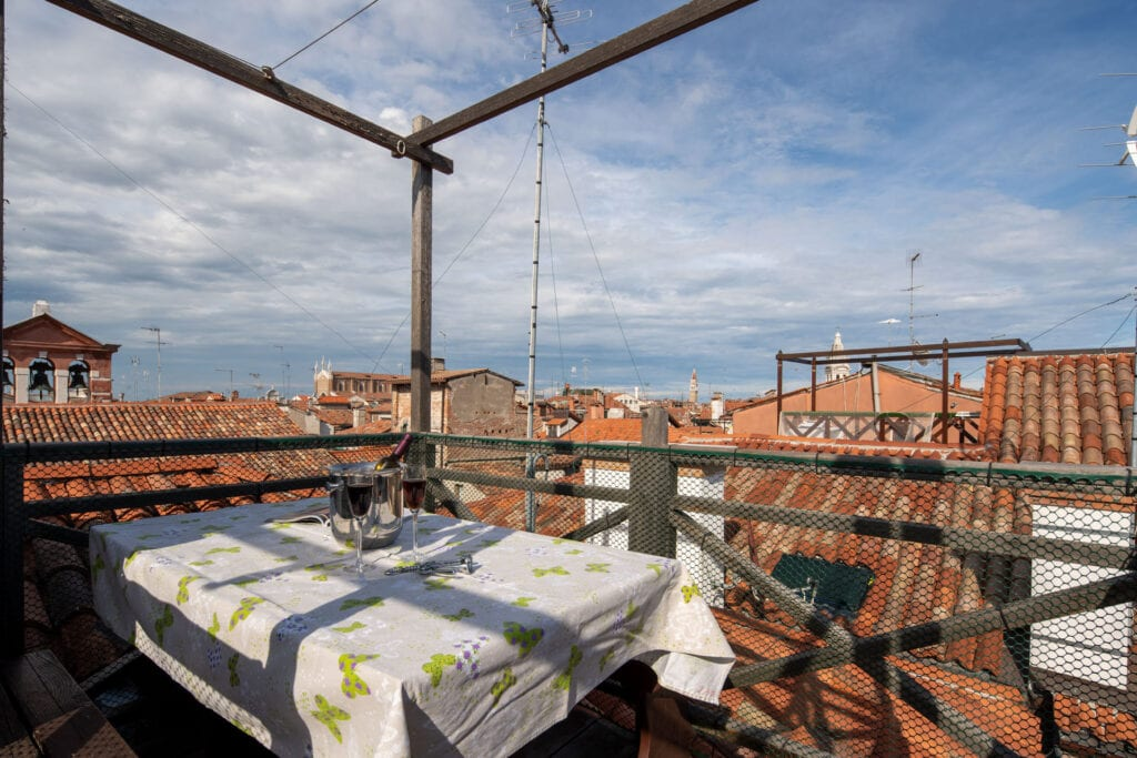 rooftop right view from altana - Lions 4 Apartment