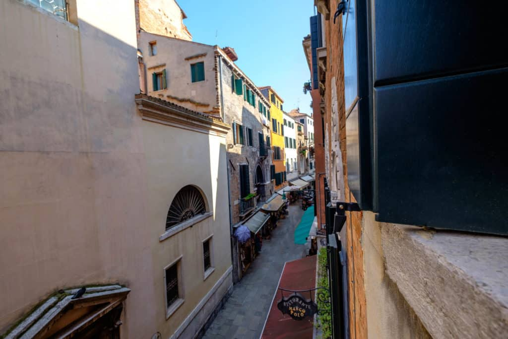 Panoramic view of the street from the window - The Lion's 5 Apartment