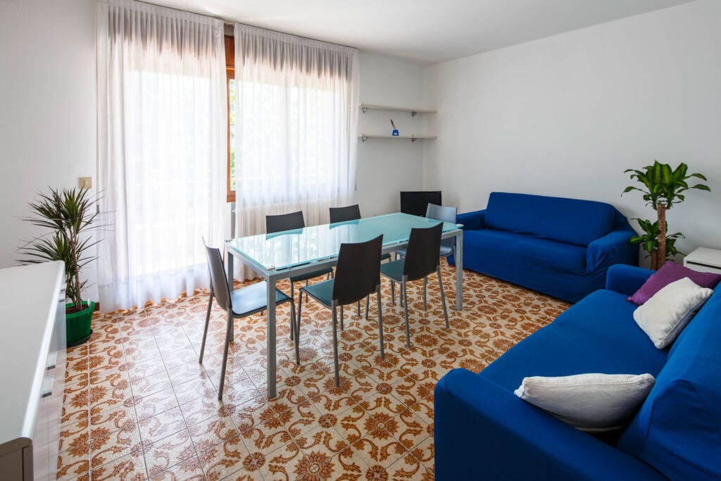 Lightful living room - Calmo DX 2 Levi Apartment